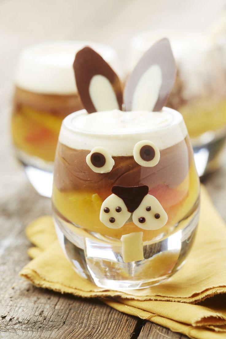 Citrusglaasje met vanilleroom en chocolade  http://www.njam.tv/recepten/citrusglaasje-met-vanilleroom-en-chocolade