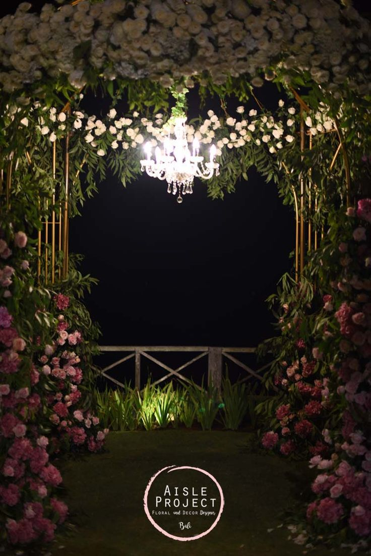 Bridal Table, Head Table, Crossback Chairs, Bali Wedding with gorgeous setup, Lush Wedding, Magical Bali Wedding, Luxury Bali Wedding, Khayangan Estate, Aisle Project Bali