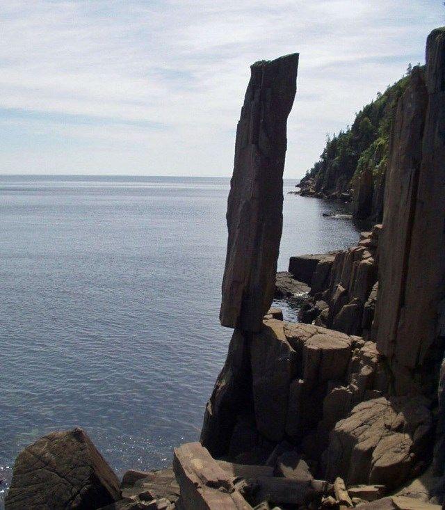 Coluna equilibrada - Localização: Digby, Nova Escócia, no Canadá