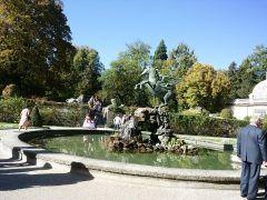 ザルツブルクのミラベル宮殿の庭園に来ました サウンドオブミュージックの中で見た噴水です 高校生の時に見た映画をもう一度見てから来ましたよ