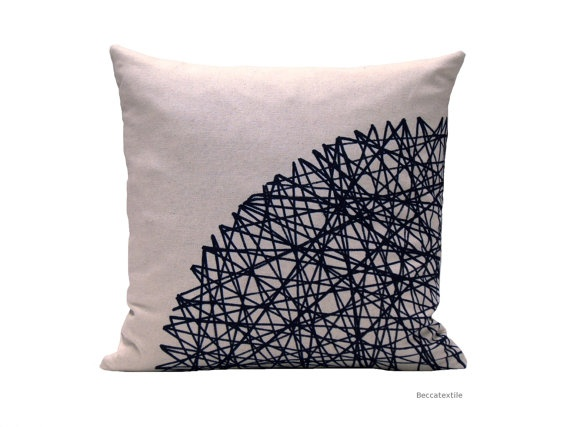 decorative pillow black