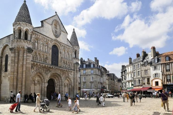 Many chapters of French history were written in Poitiers. Discover the winding medieval streets, the different listed monuments open to the public, etc. Look around at over 2,000 years of history and pay attention.