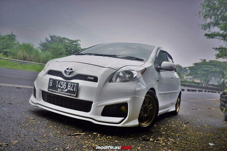 -- Toyota Yaris 1NZ-FE TRD (ver3.0) M/T 2012 Super White --