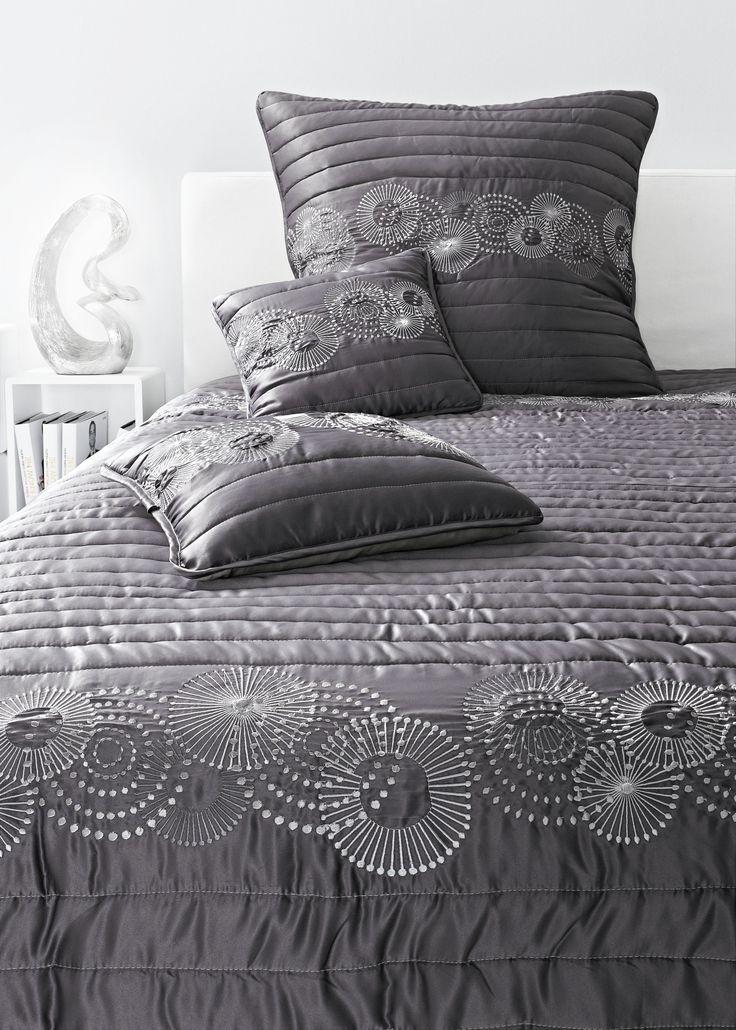 Покрывало. Декоративная отстрочка, эффектная вышивка в виде кругов.  #quelle #trends #fashion #style #brands #lifestyle #home