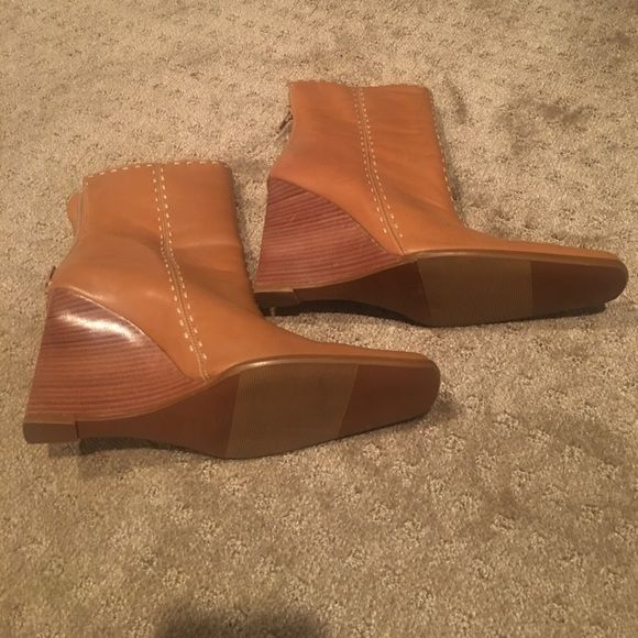 I just discovered this while shopping on Poshmark: Tan square toe boots. Check it out!  Size: 9.5