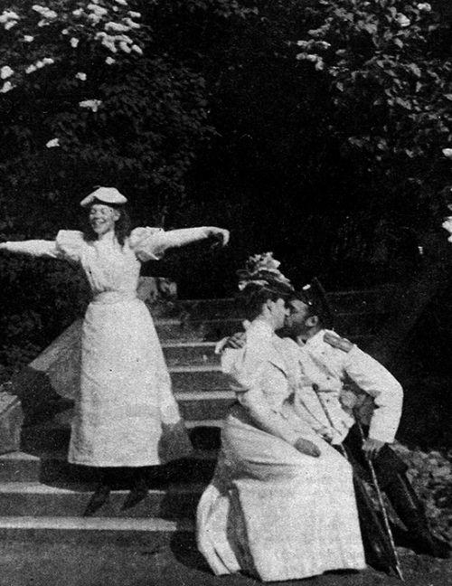 Царь Николай II с царицей Александрой Федоровной. 1910 г.