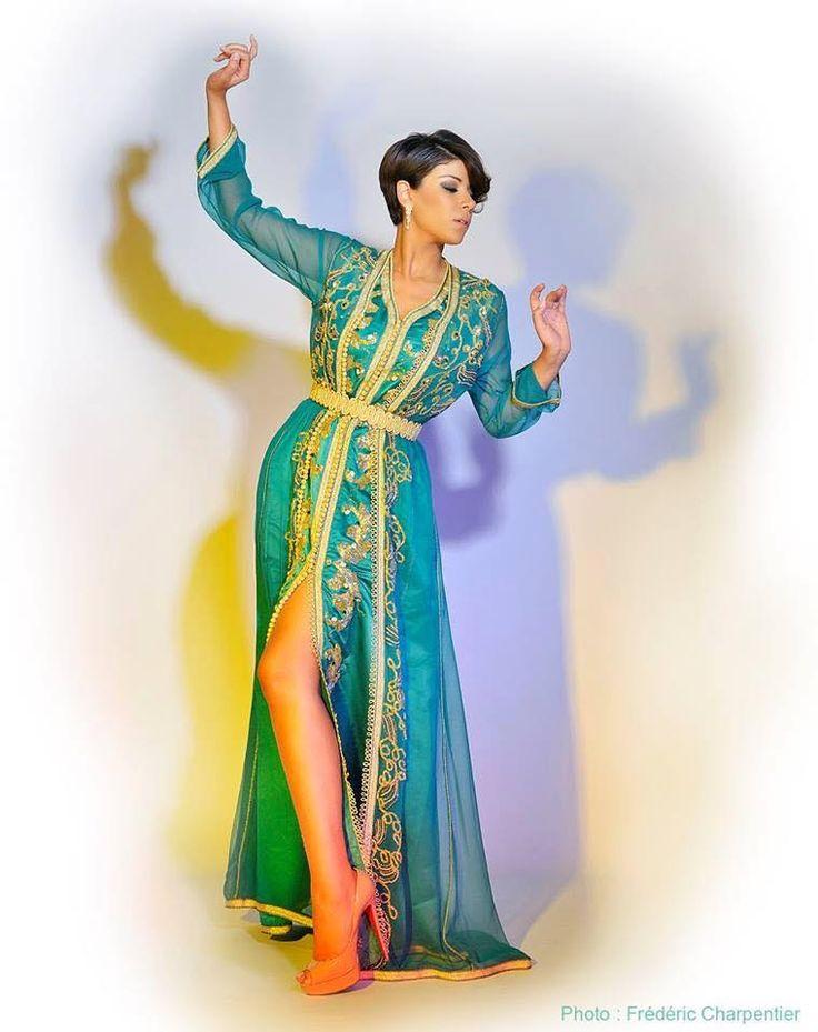 La nouvelle collection du caftan marocain 2015 par Leila Hadioui vous attend en ligne sur notre boutique caftan et takchita pas cher à découvrir en grand choix de couleur et coupes à la mode