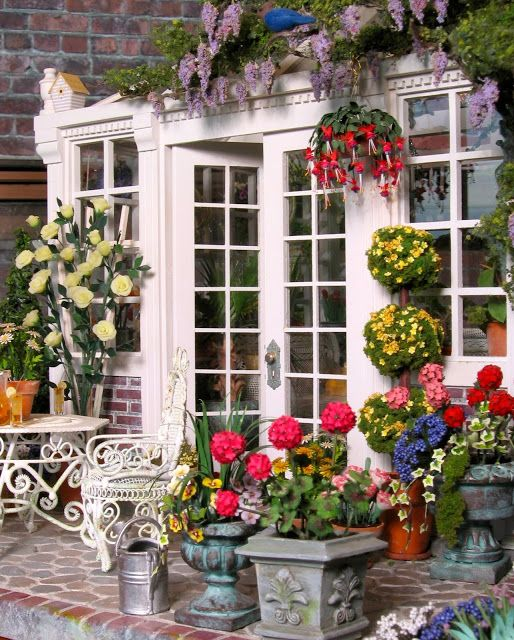 BluKatKraft: Dollhouse Miniatures: Conservatory and Garden
