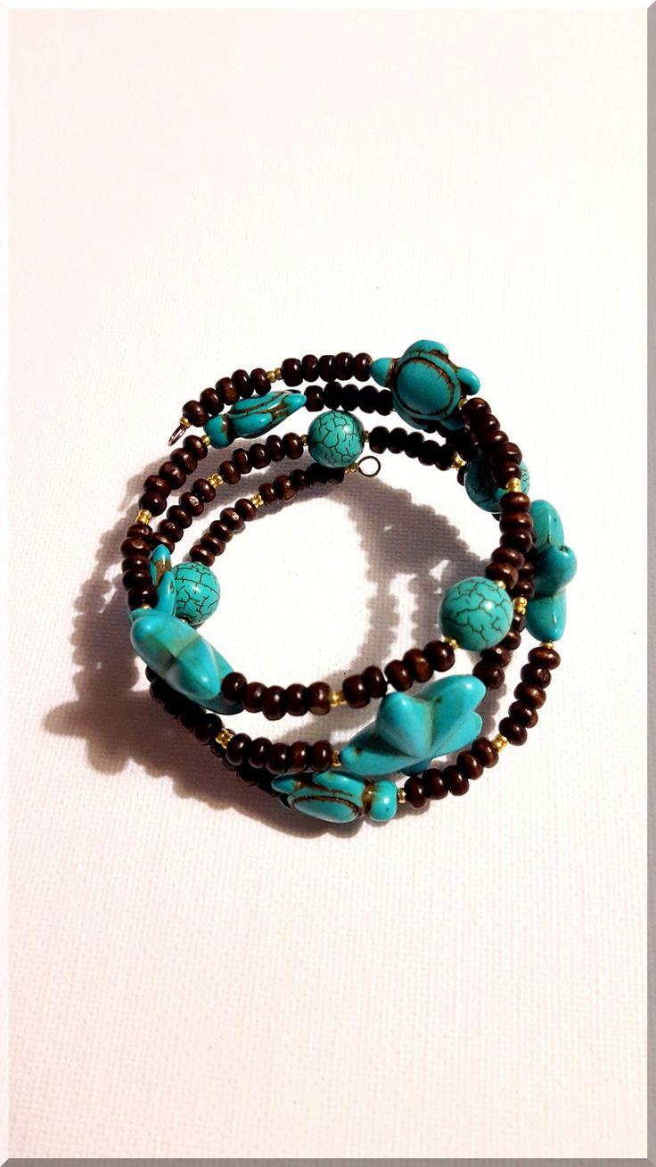 Bracelet multi-rangs étoiles de mer et tortues en perles turquoises et bois : Bracelet par aliciart