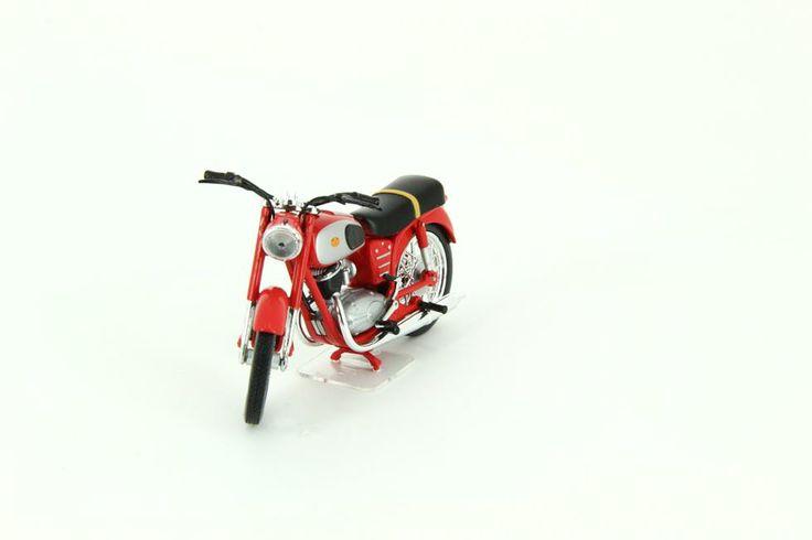 Az egyik legnépszerűbb magyar motorkerékpár Pannonia 250 - Editions Atlas