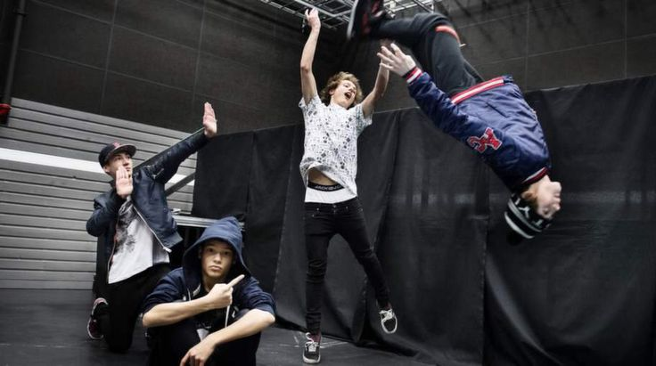Olly's like dance party. Omar's like wat is he doing. Oscar's I'm a ballerina. Felix's like I'm a legend