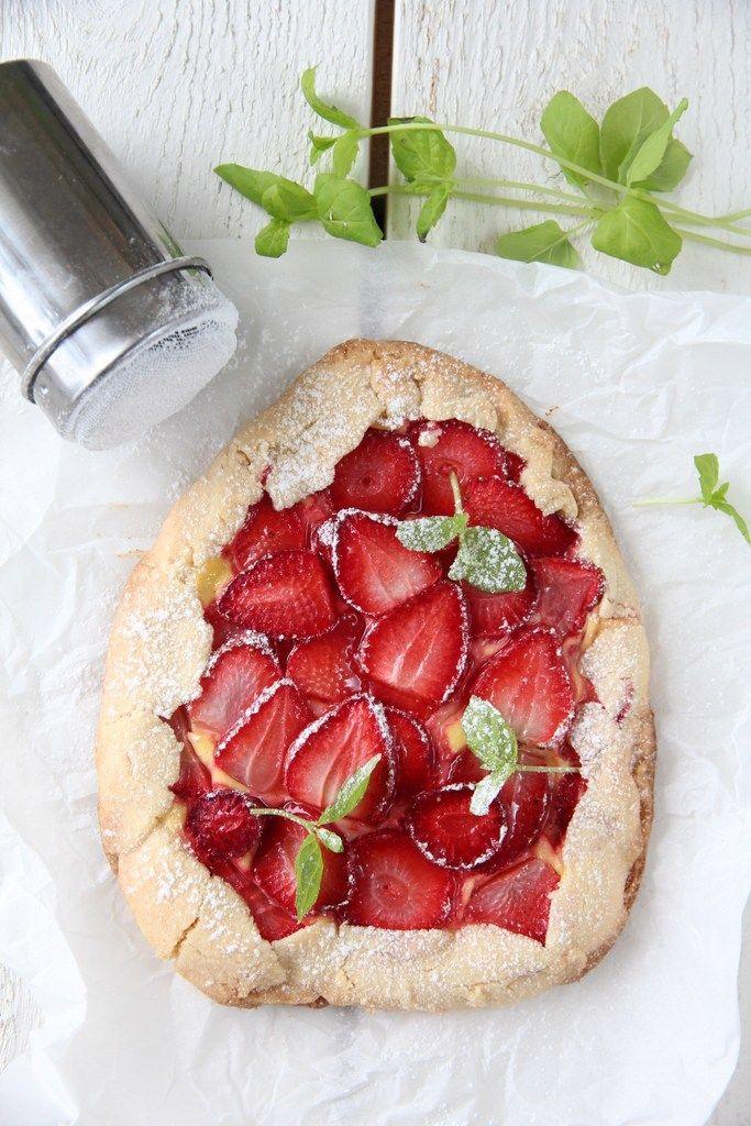 Miniterter med jordbær og vaniljekrem