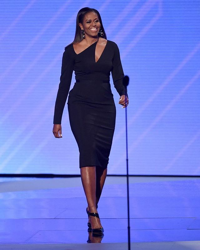 Former US first lady @michelleobama looked stunning when attending ESPYS Awards 2017. Michelle was wearing asymmetrical body-conscious dress by @cushnieetochs to show her fit shape. She presented the Arthur Ashe Courage Award to Timothy Shriver on behalf of his mother Eunice Kennedy Shriver at the awards. #michelleobama #cushnieetochs #espys2017  via MARIE CLAIRE INDONESIA MAGAZINE OFFICIAL INSTAGRAM - Celebrity  Fashion  Haute Couture  Advertising  Culture  Beauty  Editorial Photography…