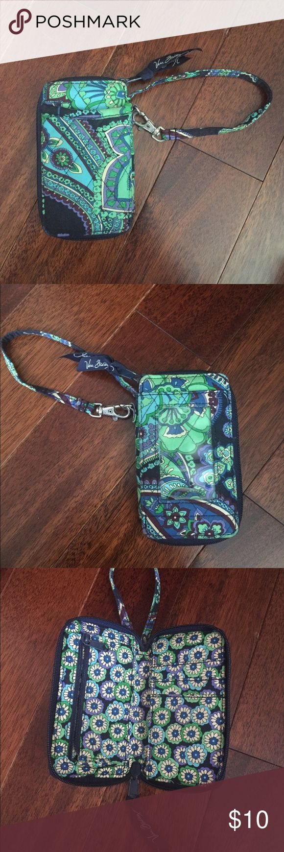 Vera Bradley wristlet wallet Vera Bradley wristlet wallet with id, great for money and credit cards on the go Bags Clutches & Wristlets