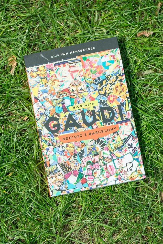 "16. Bookarest (Atrium 0) - książka Gijsa van Hensbergena ""Gaudi.Geniusz z Barcelony. Biografia"""