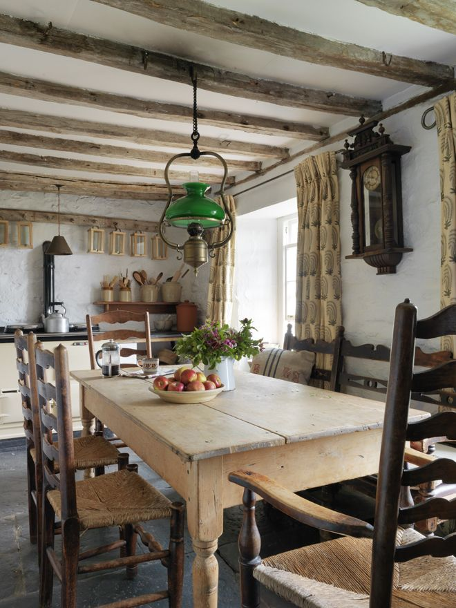 After purchasing a restored Welsh farmhouse from her architect in-laws, knitwear designer Kathleen Holland set forth on making it her own. When designing k