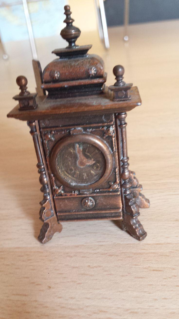 Sacapuntas reloj Juguetes Martí, antique pencil sharpener. Numero 1018