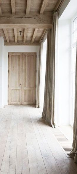 :: Havens South Designs :: loves the floors and linen drapery. Those wooden floor vent grates are exceptional as well.