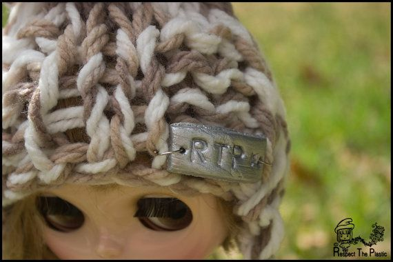 HAT  Dune  Off to Margs  Beanie/Hat for Blythe by minni64 on Etsy, $26.00