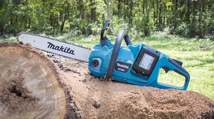 The new Makita XCU03Z 18v X2 LXT (36V) Chain Saw picks up where the previous model left off and moves the ergonomics closer to a traditional design.   #tools #OPE #chainsaw #Makita #landscpaing #forestry #powertools #cordlesstools #cordlesschainsaw  https://www.protoolreviews.com/tools/outdoor-equipment/makita-xcu03z-lxt-18v-x2-chain-saw/26690/