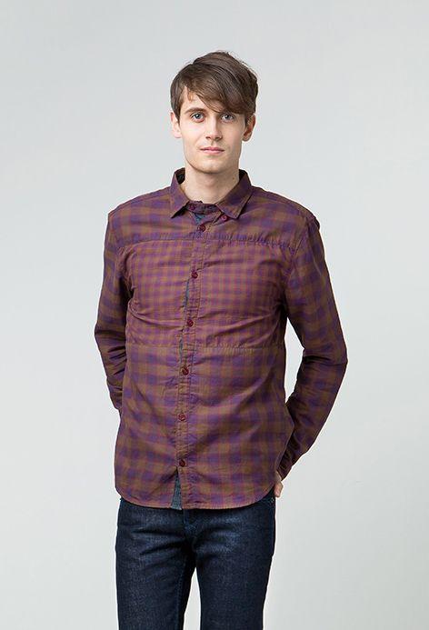 """Update your style with Lee Cooper newest checked shirt collection, PATCH! Dibuat dengan kain khusus yang disebut two face fabric sehingga menghasilkan perbedaan motif di bagian luar & dalam kemeja. Untuk mendapatkan detail istimewa berupa motif kotak-kotak yang berbeda pada bagian sekitar dada kemeja, PATCH menerapkan sistem cut & sew. Dengan potongan slim fit yang pas di tubuh, """"Patch"""" juga bermaterial dasar serat alami yang tidak gerah & nyaman dikenakan. Available in Russet- & Midnight…"""