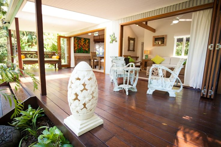 Other in The Pocket, Australia. Beautiful spacious ultra modern cottage set in 5 acres of exotic sub tropical botanical gardens with natural pockets of rainforest and creek, where you can forget yourself and simply be A romantic get away for couples seeking peace and serenity  B...