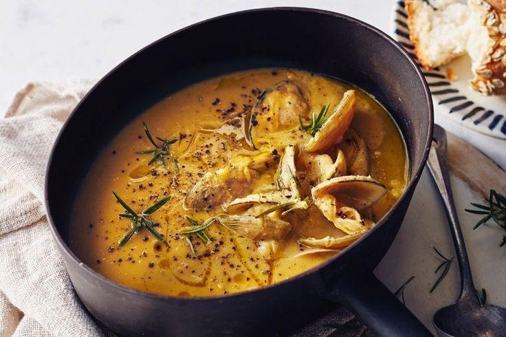Zuppa di ceci e vongole (chickpea & clam soup)