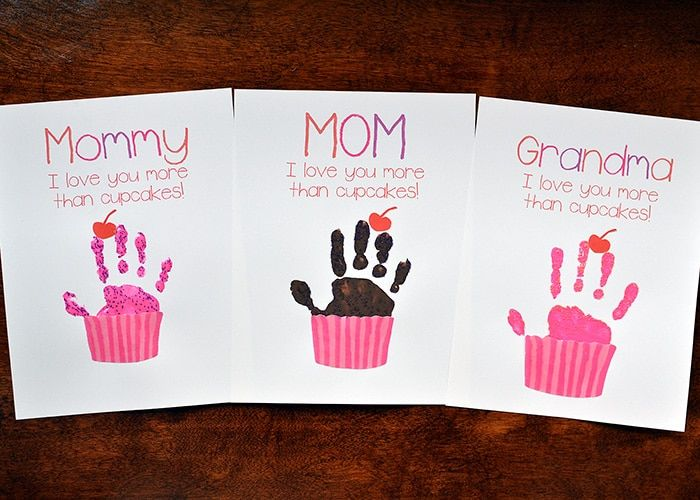 cupcake handprint gift for mother's day  free printables