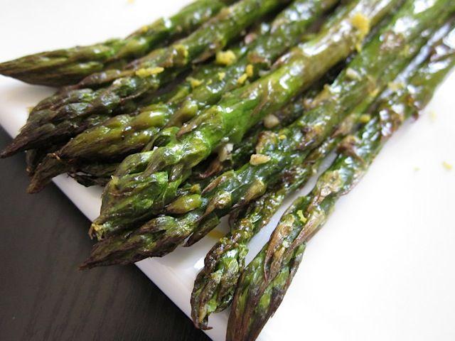 lemon garlic roasted asparagus - Budget Bytes