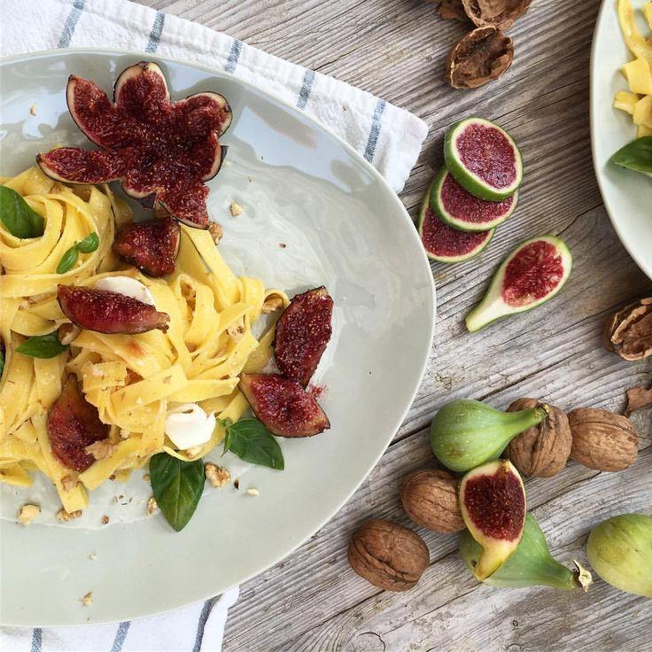 Pasta fresca, nueces, cebolla caramelizada, higos, crema de queso, mozzarella.... ➖➖➖➖➖➖➖➖➖➖➖➖➖➖ #pasta #howsummer #fig  #foodstyling #foodart #beautifulcuisines #bestfoodworld #picoftheday #natural #nature #picture #love #foodphotografy #foodporn  #foodbassador #gastronomia #gastrovictims #foodie #top_food_of_instagram #foodgawker #thekitchn #food52 #tastespotting #food #cook #cuina @thefeedfeed #thefeedfeed  #foodandwine #foodblogfee