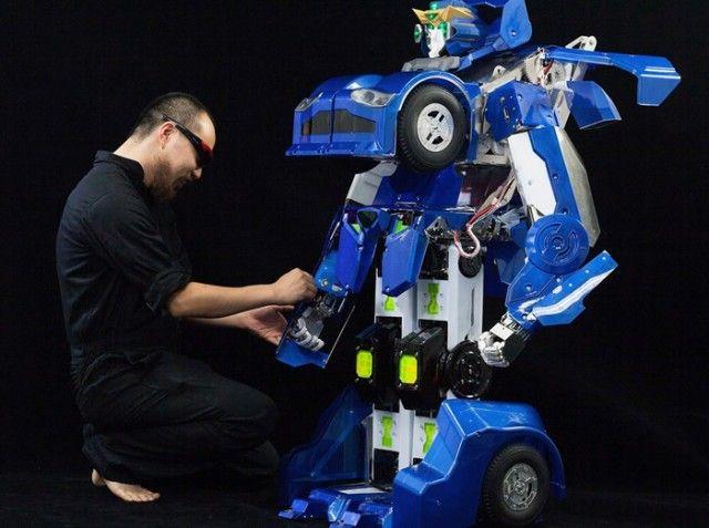 Vídeo: Japoneses criam réplica verdadeira funcional (e Incrível) de um Transformer
