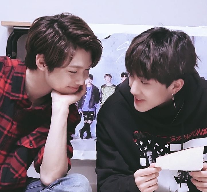 Felix and Changbin ok guys so it's 6:12 in the morning and I