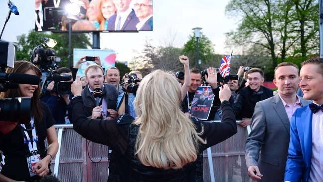 Bonnie Tyler on the Red Carpet at the opening ceremony of the Eurovision. 12/05/2013 #bonnietyler #eurovision #gaynorsullivan #gaynorhopkins #thequeenbonnietyler #therockingqueen #rockingqueen #2013 #malmo #uk #unitedkingdom #music #rock