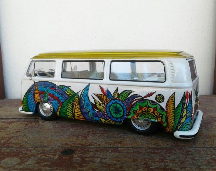 Volkswagen T2 Bus . 1/24 scale