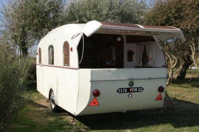Henon Notin Bourreau Sologne Escargot Caravan Nomad