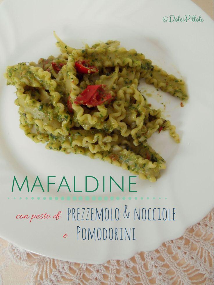 Mafaldine al #pesto di prezzemolo & nocciole e pomodorini! #pasta #primi #italianfood http://dolcipilloleperilpalato.blogspot.it/2014/09/mafaldine-al-pesto-di-prezzemolo.html