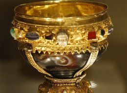 Known until now as the goblet of the Infanta Dona Urraca - daughter of Fernando I, King of Leon from 1037 to 1065 - is displayed in the Basilica of San Isidoro in Leon, northern Spain on March 31, 2014. Spanish researchers Margarita Torres and Jose Miguel Ortega del Rio reveal in their book 'The kings of the Grail' that they have found the goblet from which Jesus Christ supposedly sipped during the Last Supper. After a three year hunt begining with Egyptian parchments the two historians ...