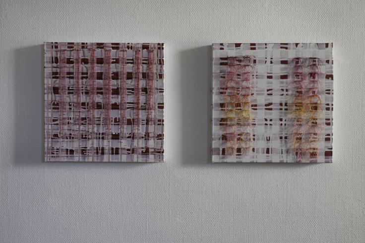 Voorbereidingen voor installatie uit 2010 van Maurice Christo van Meijel (schilderij) en Marian Smit (garen en kralen) (particuliere collectie) www.mauricechristo.com
