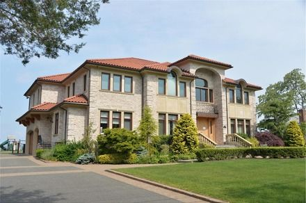 81 best long island neighborhoods images on pinterest for Douglas elliman real estate manhattan