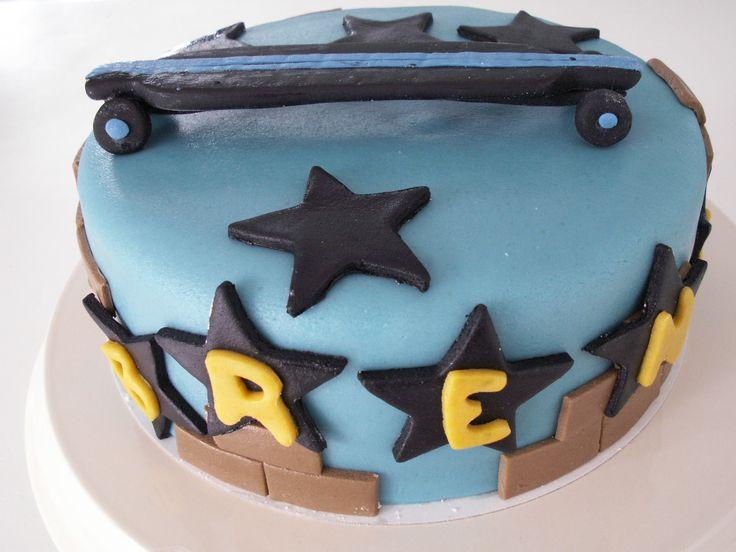 Longboard/ skateboard cake http://www-taart-van-miranda.webklik.nl