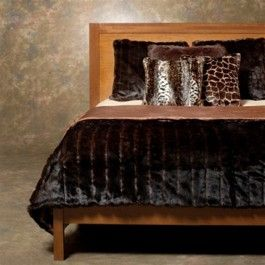 - Faux Fur Mink Duvet Cover - Queen  - Indulge yourself with cozy warmth and luxurious comfort - Faux fur is incredibly soft and plush with natural luster of coyote with super soft microfiber backing