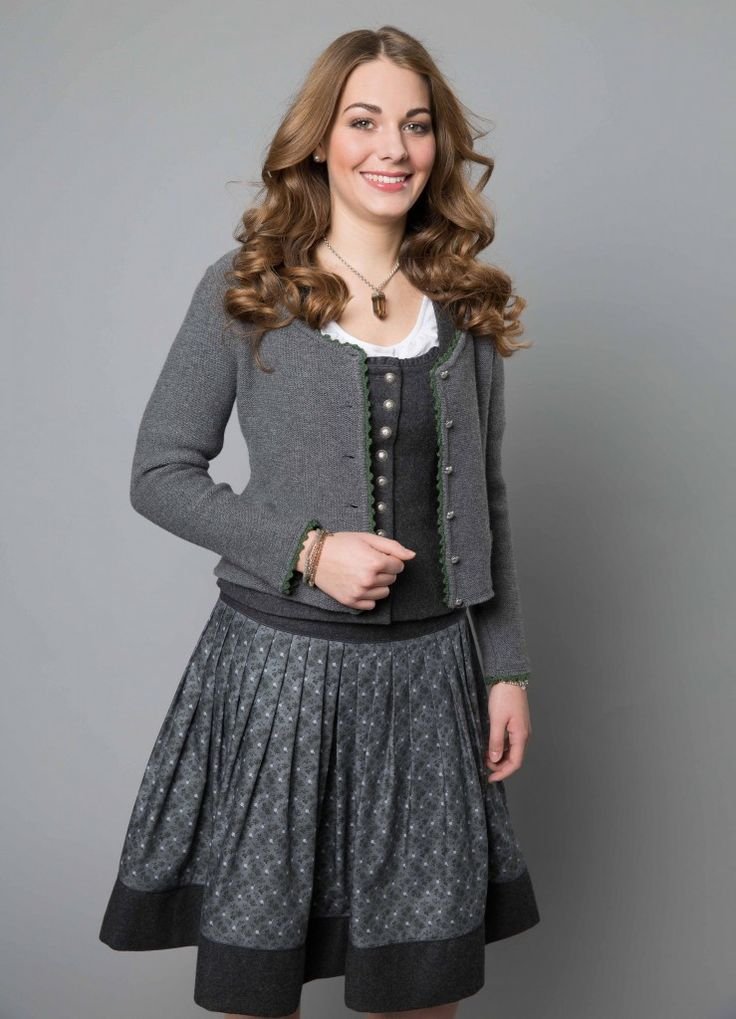 Mieder 66612 Fb. 19 Rock 466105 Fb. 1917 Bluse 36642 Fb. 10 Strickjacke 16614 Fb. 2907