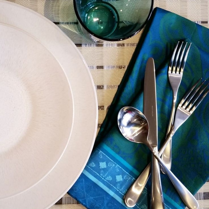 David Mellor 'Paris' Cutlery | Didriks. #davidmellor #paris #cutlery #Tablesetting #tableware #bluegreen