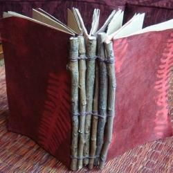 Follow for FREE 'too-neat-not-to-keep' teaching tools & other fun stuff :) .......Bookbinding Techniques, Ideas & Inspiration | Creative Ways to Make a Journal