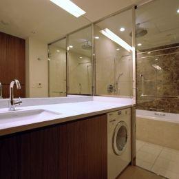 六本木T邸の部屋 洗面・浴室