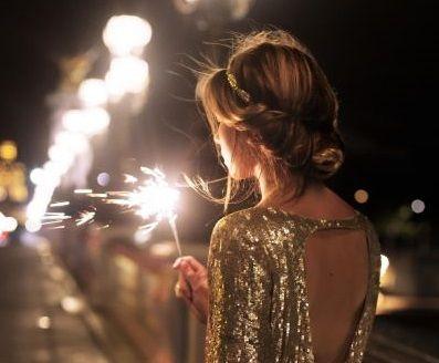 Construye tus propósitos de año nuevo. El comienzo de uno nuevo significa dejar atrás una etapa y empezar nuevos proyectos personales: escribe tus propósitos de año nuevo ahora.