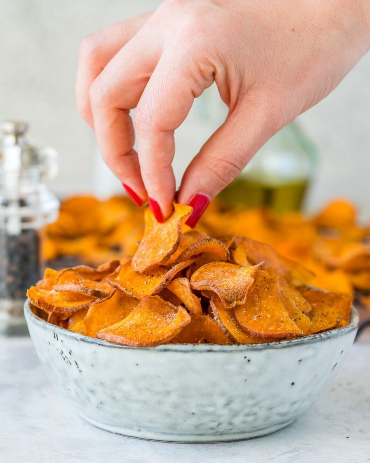 Baked Sweet Potato Chips are Perfect for Your Savory Cravings! | Clean Food Crush | Bloglovin'