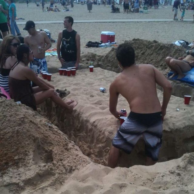 Beach Beer Pong table.....Totally doing this the next time I go to the Beach!!!!