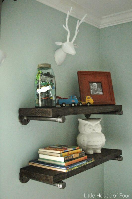DIY Steele Pipe Shelves