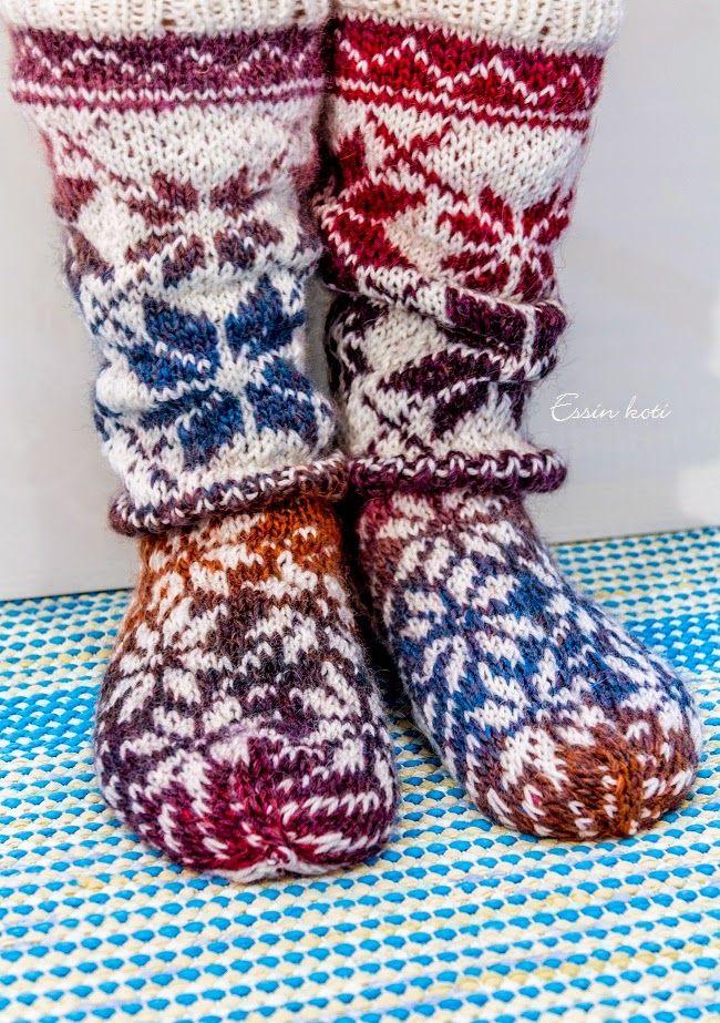 Värikkäät kirjoneule villasukat  http://essinkoti.blogspot.fi/2015/02/kirjoneulesukat.html